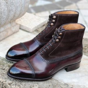 Venator boot  included Vibram Rubber insert Available in patina service in 2 colors A) Caffe tostato B)Burgundy oxyblood